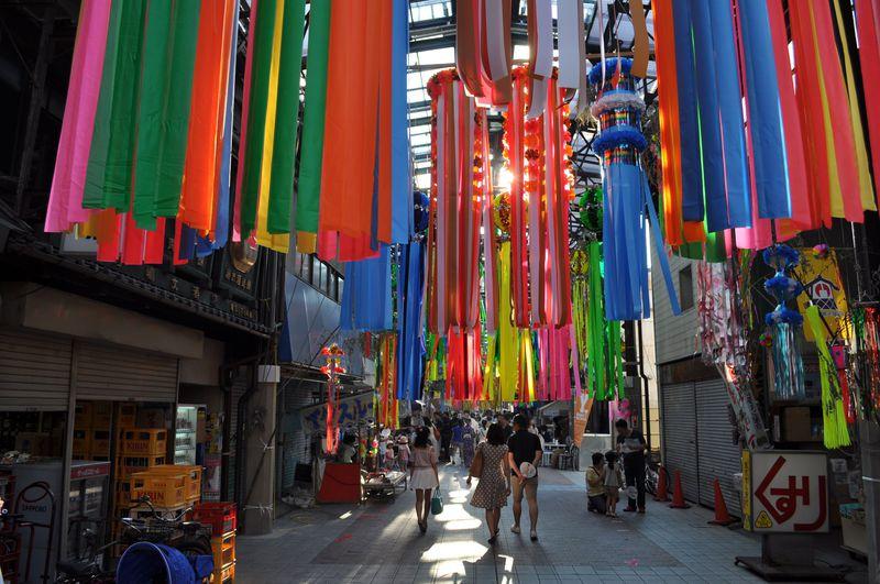 """日本の夏、名古屋の夏。円頓寺商店街""""巨大ハリボテ七夕飾り""""に大興奮!"""
