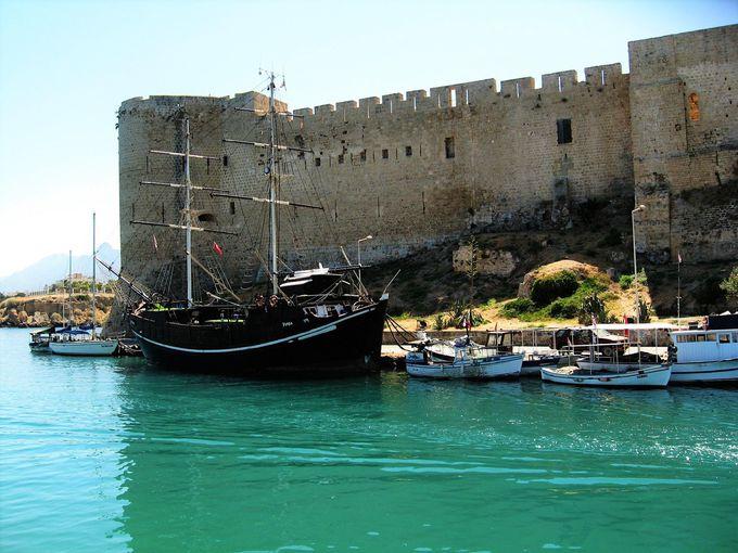 ホテルスタッフとともに北キプロスの歴史の舞台を訪ねるツアー