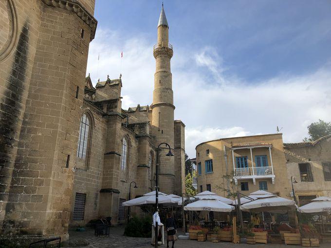 キプロス3000年の歴史と文化が混ざり合うニコシア旧市街
