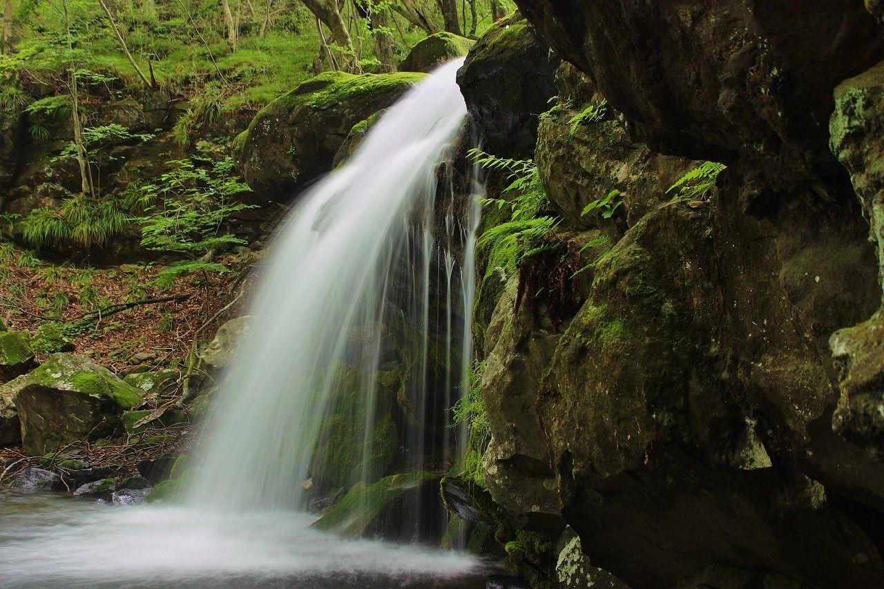 渓流沿いの滝名は文学的?「創造の滝」「反省の滝」「傾聴の滝」