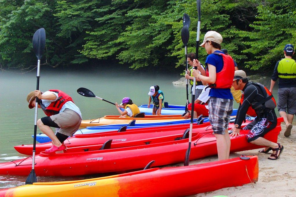 いよいよ、湖上の冒険ダム湖へ出発。