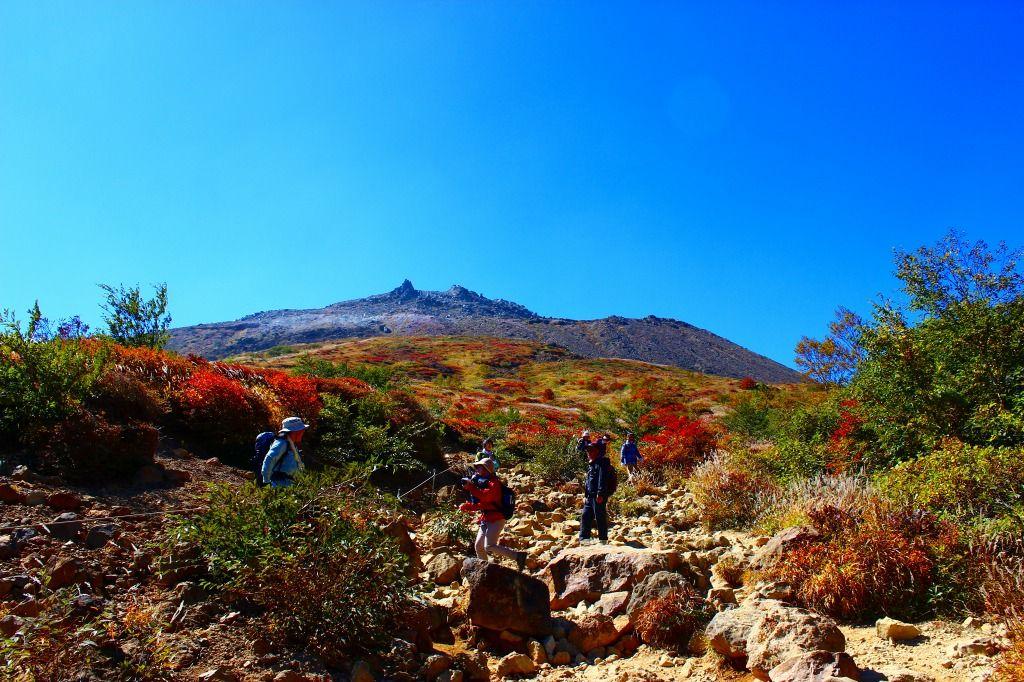 茶臼岳を望む『見晴らし台』が360度パノラマビュー、絶好の撮影スポット!