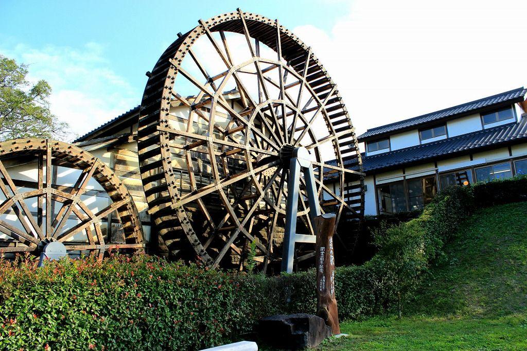 蕎麦好き必見!巨大水車が蕎麦を挽く『道の駅 東山道』那須町