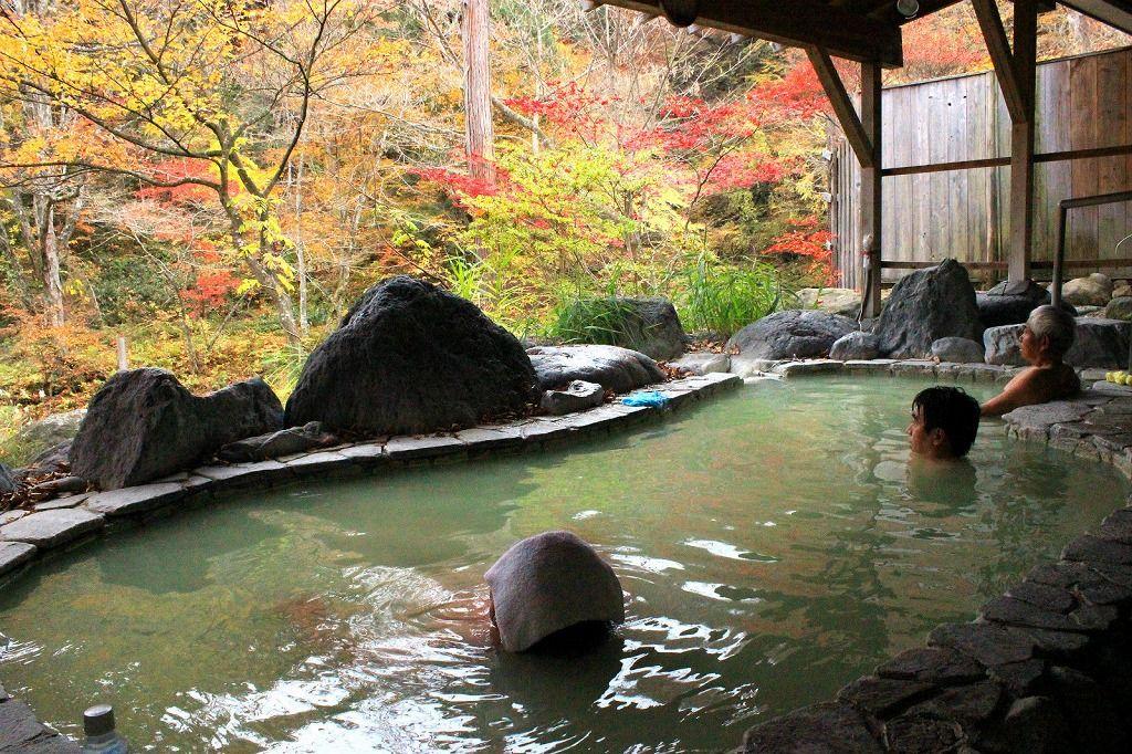 4.秘湯の宿 元泉館