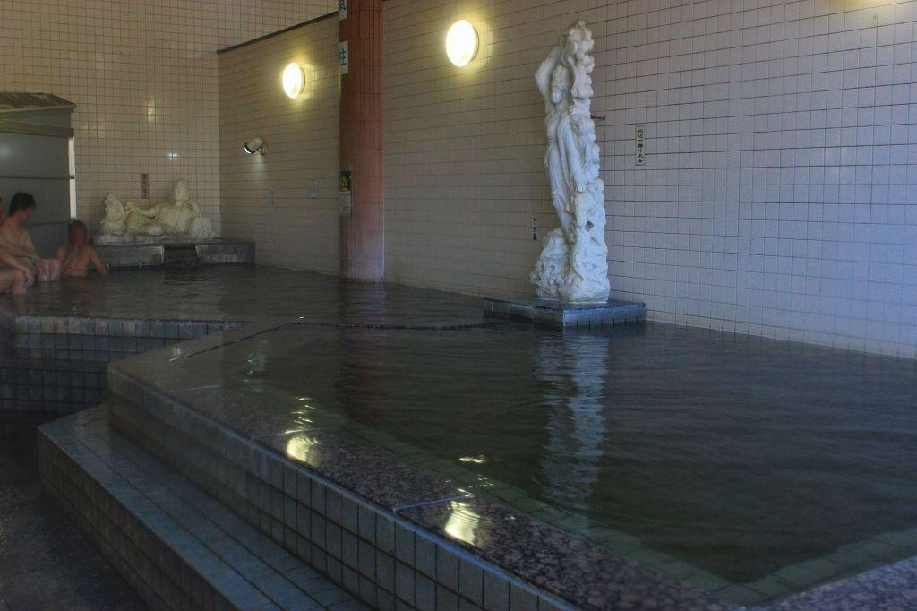 「ピラミッド元氣温泉」はモールの香り漂う、上質な温泉!