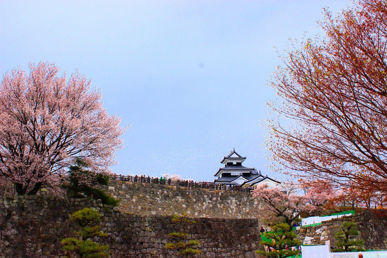 幾多の歴史をみつめ続けてきた名城!