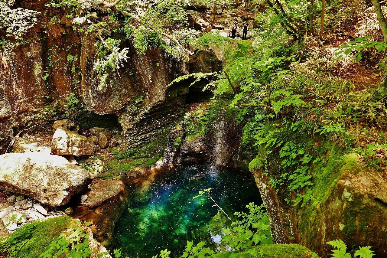 滝の水が流れていなくてもガッカリしないで!この滝は不思議な現象が現れるパワースポットなんです!