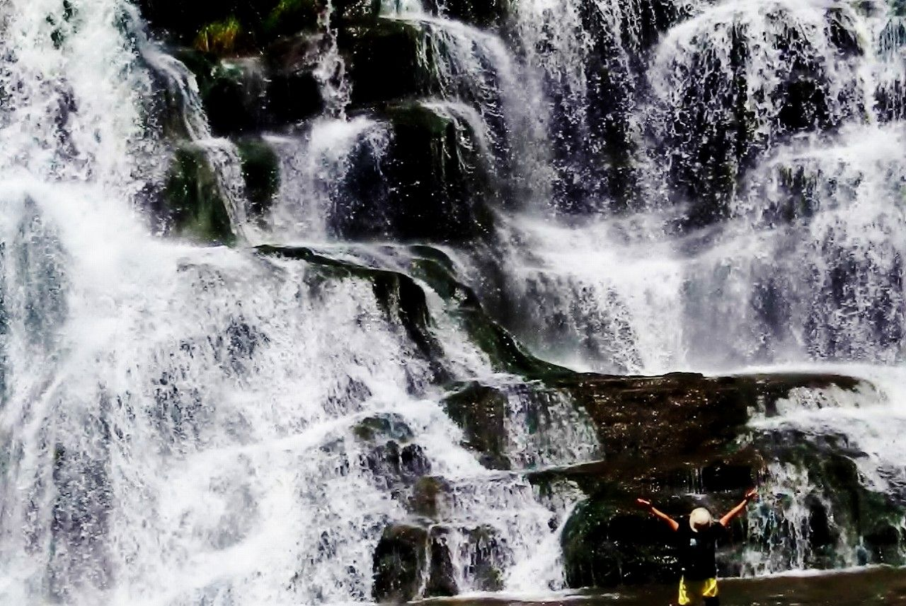 「竜門の滝」の超ド迫力と豪快なミストシャワーに圧倒される!