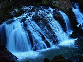 福島鮫川村「江竜田の滝遊歩道」にはユニークな名前の滝がある!