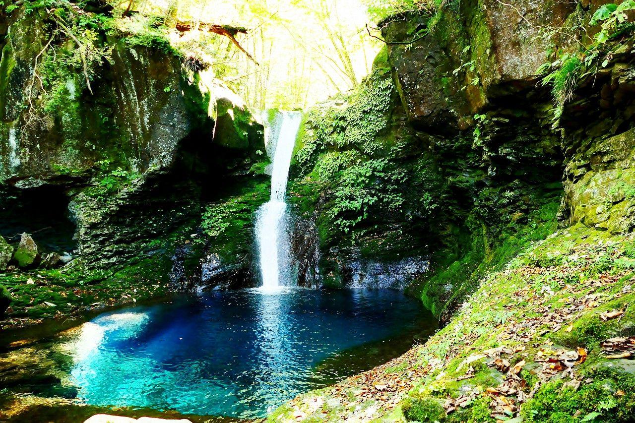 ご存じ?おしらじブルーやレッドクリフの名瀑がある栃木県矢板市