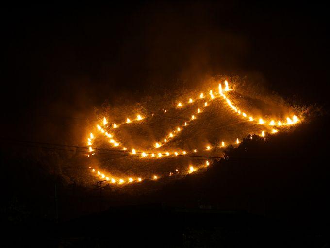 西賀茂船山の「船形」送り火