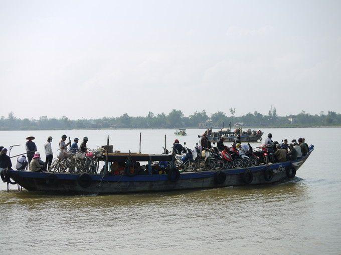トュボン川
