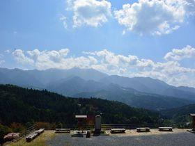 外国人にも大人気!中山道馬篭宿から妻籠宿への峠越えハイキング