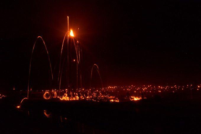 幻想的で勇壮な火の祭典!京都洛北に伝わる「広河原の松上げ」