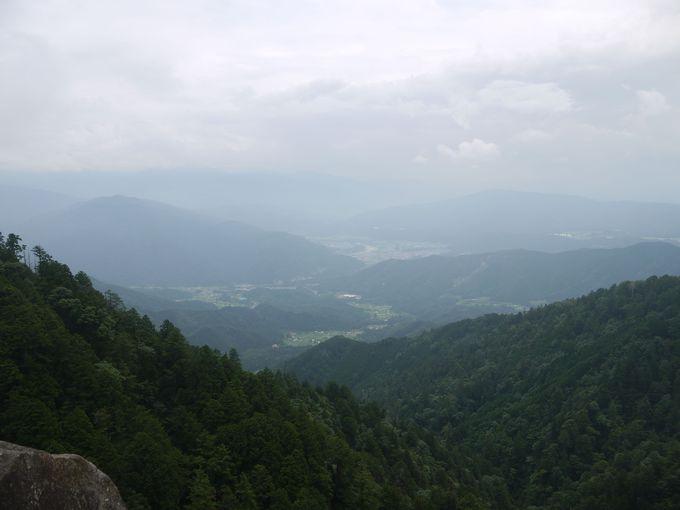 龍ヶ瀬、最高地点不動岩展望台からの眺望