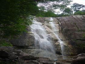 日本の滝百選・南木曽「田立の滝」はマイナスイオン溢れる瀑布群だ!