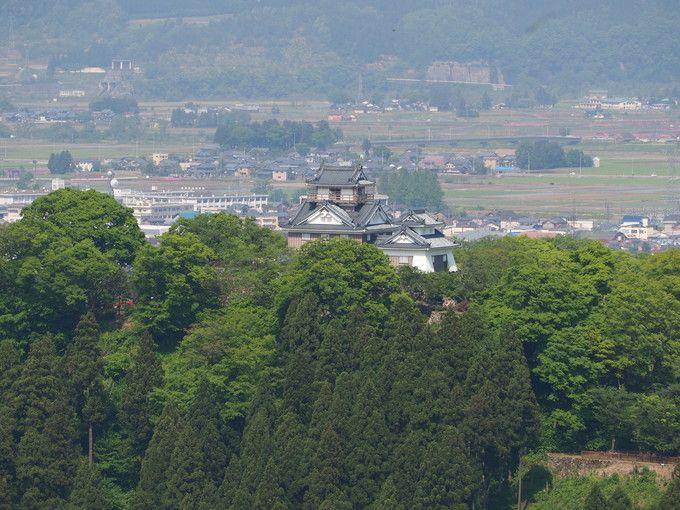 天空の城に花桃回廊 芝桜も美しい越前の小京都 福井県「越前大野」