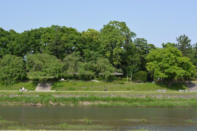 葵祭の日の賀茂川は新緑風景満載