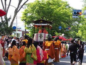 京都葵祭を午後からゆっくり見学!賀茂川沿い加茂街道がおすすめ
