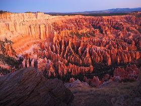 米国ブライスキャニオン国立公園「HooDoo」の色彩は神秘的だ!
