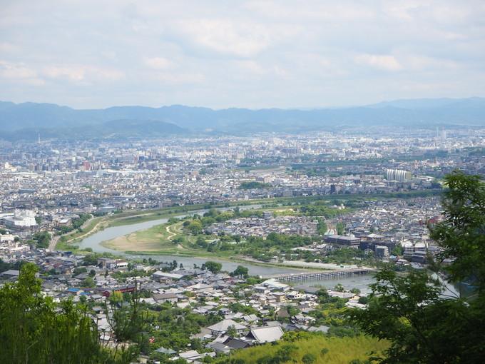 渡月橋から1時間!京都「小倉山」で眺望抜群のハイキングを