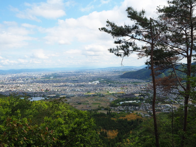 長尾山から見える景色は抜群