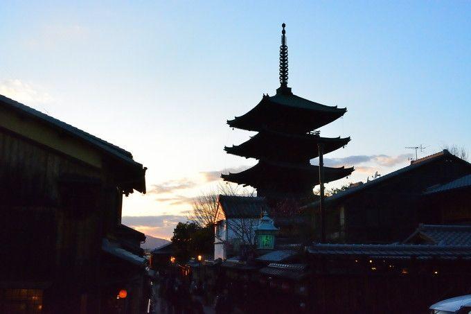「東山花灯路」は夕焼けも美しい!
