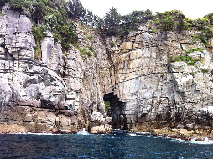 """CNNが選んだ""""日本の最も美しい場所""""のひとつ「蘇洞門」"""