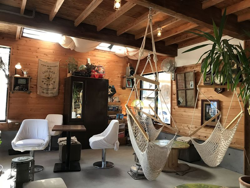 ハンモックでまったり。水戸市の一軒家カフェ「ナマケモノ」