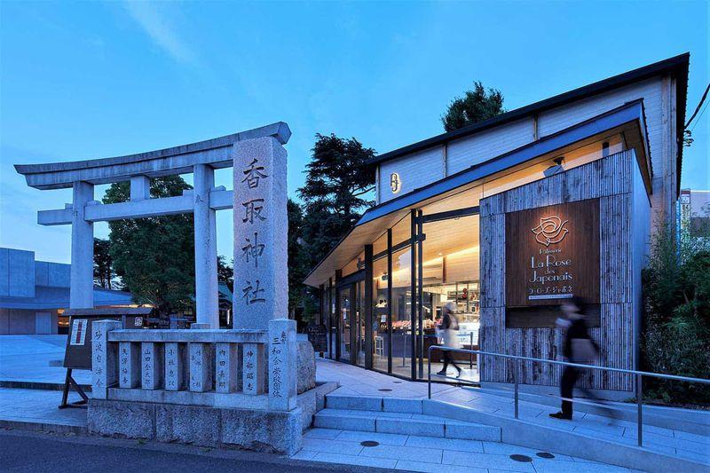 世界一のケーキが食べられる!東京都「亀有香取神社」