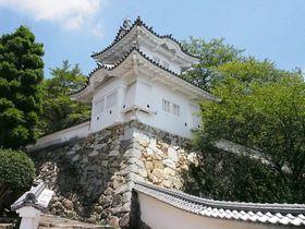 武家屋敷や白壁の土蔵が残る播磨の小京都・龍野の城下町をぶらり