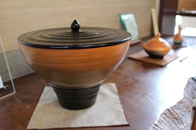 独自の造形が魅力の伝統工芸品「赤穂雲火焼」