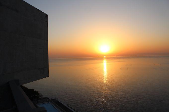 展望ブリッジからの朝日が絶景