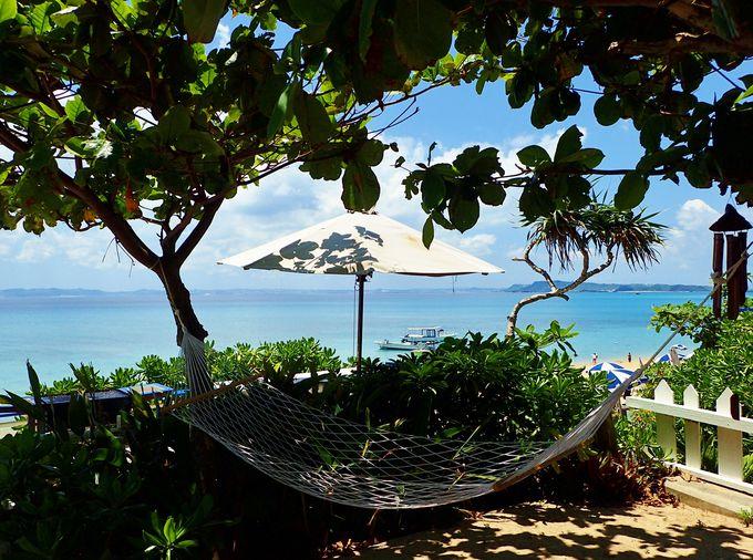 ランチはトゥマイ浜を眺めながら