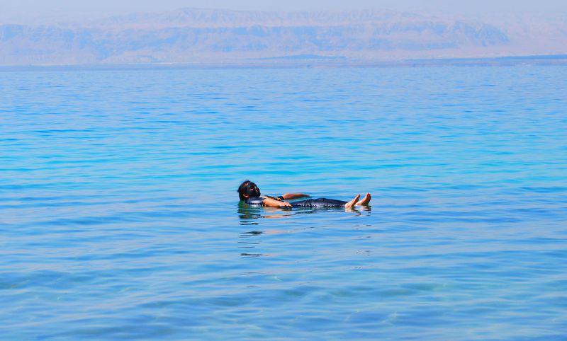 プカプカ浮かぼう!ヨルダン・死海で異次元体験