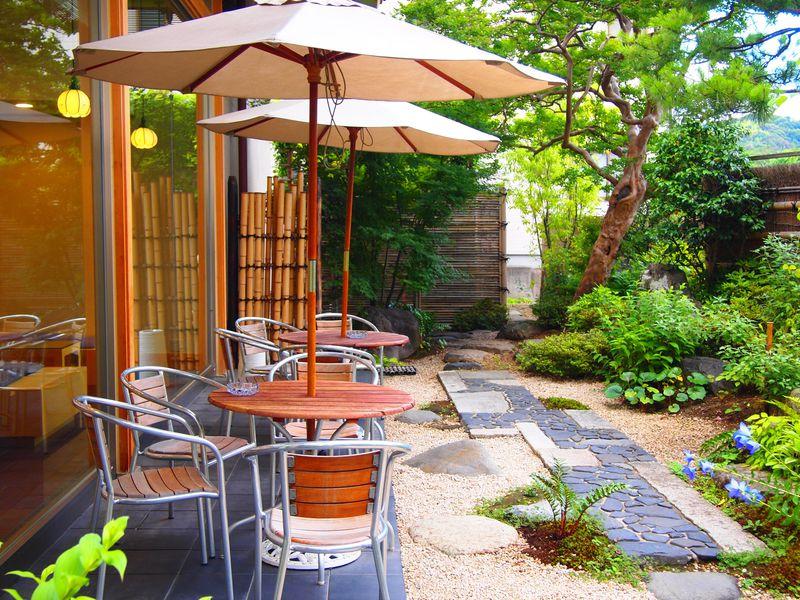 テラス席も素敵!京都・清水寺参道の「普門庵」でお買い物&休憩を