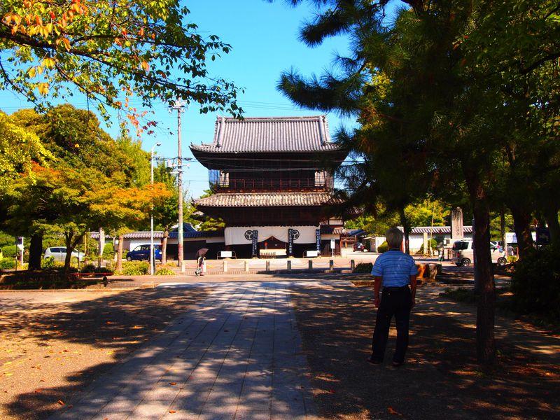 空襲をくぐり抜けた境内が今も!尾張徳川家の菩提寺「建中寺」