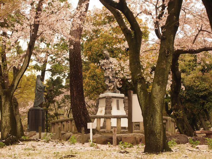 清洲公園の信長像と濃姫像