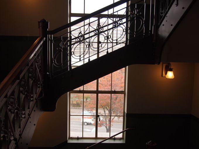 美しい階段も注目