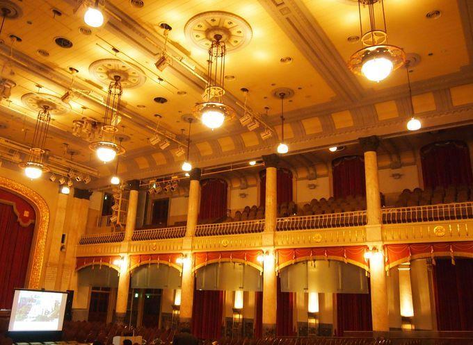 大阪のシンボル「大阪市中央公会堂」粋で豪華なその内部とは!?