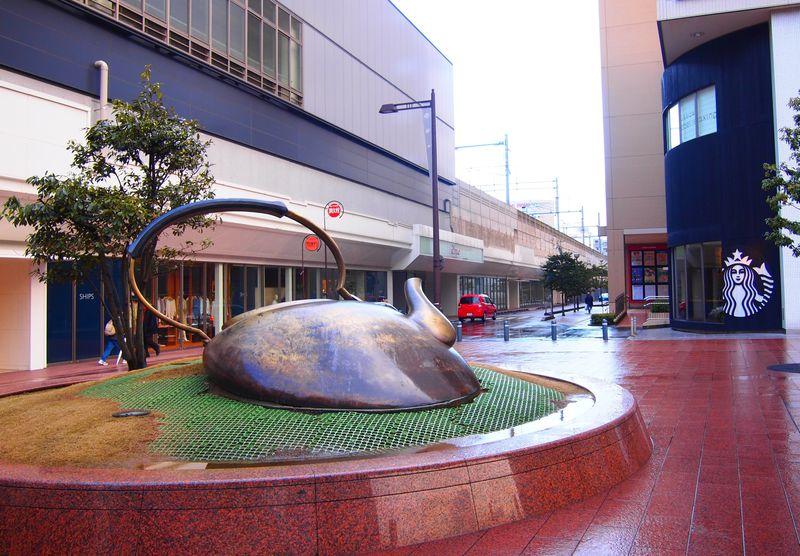 やかんひっくり返ってます!世界が認めた「金沢駅」の撮影スポット