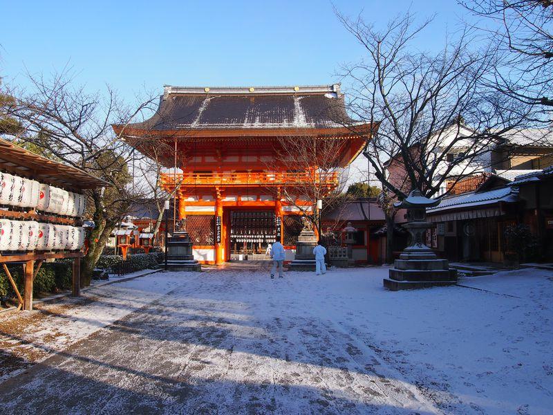 冬の京都でお参りしたい祇園「八坂神社」摂社や末社にも注目を
