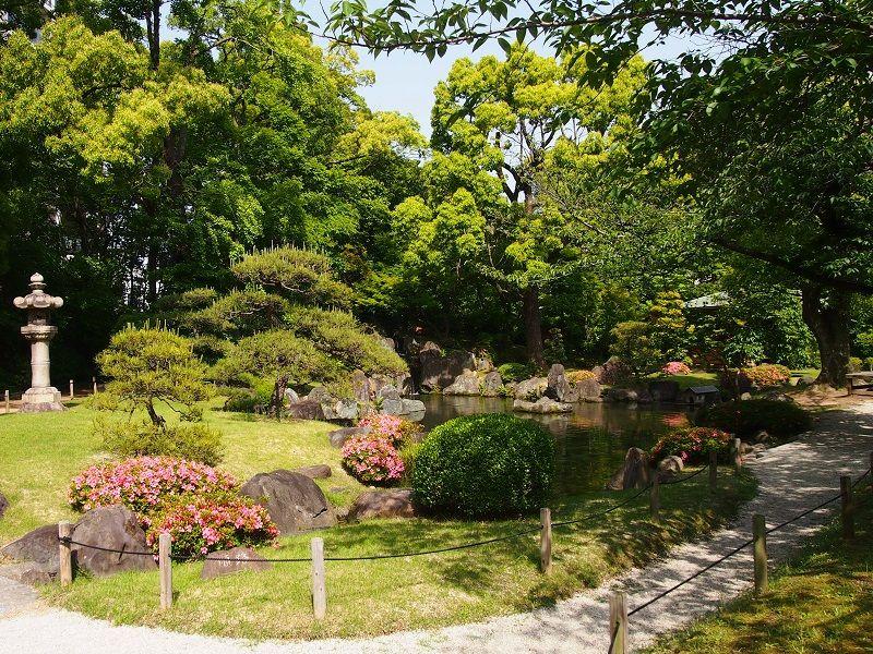 極楽浄土の庭へ