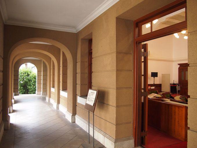 通常時も平日を中心に知事室や旧議場の見学ができます
