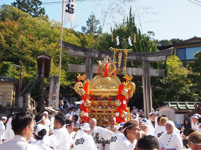 剣鉾や神輿、粟田大燈呂も登場!京都秋の大祭「粟田神社・粟田祭」
