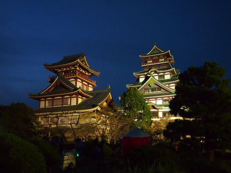 前夜祭ではお城の夕景やライトアップも!京都「伏見・お城まつり」
