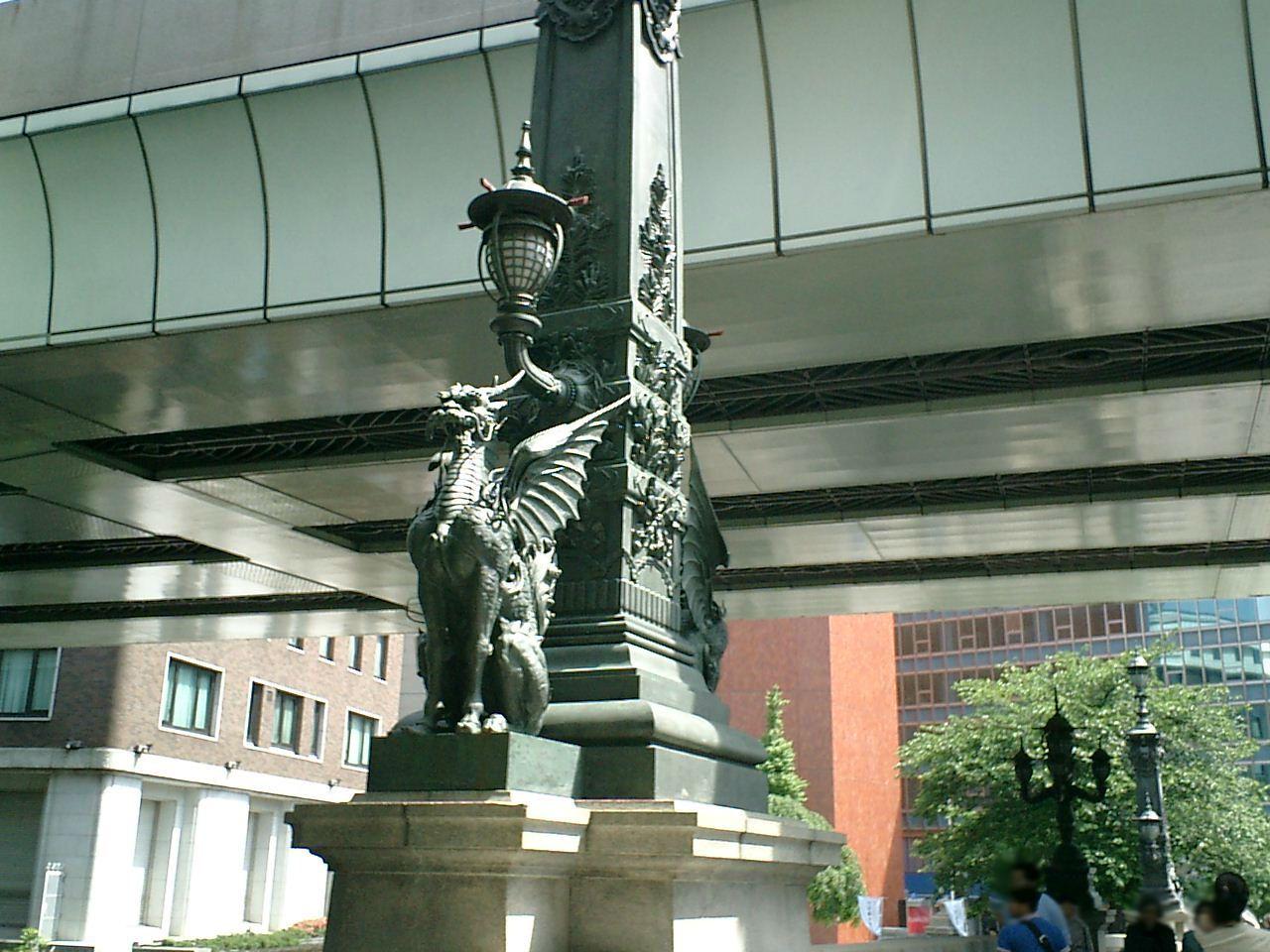 日本橋の麒麟像には翼があった!