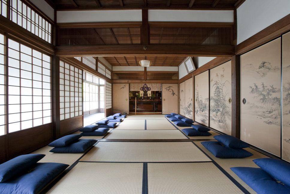 京都駅からひと駅「毘沙門堂・勝林寺」で坐禅体験!