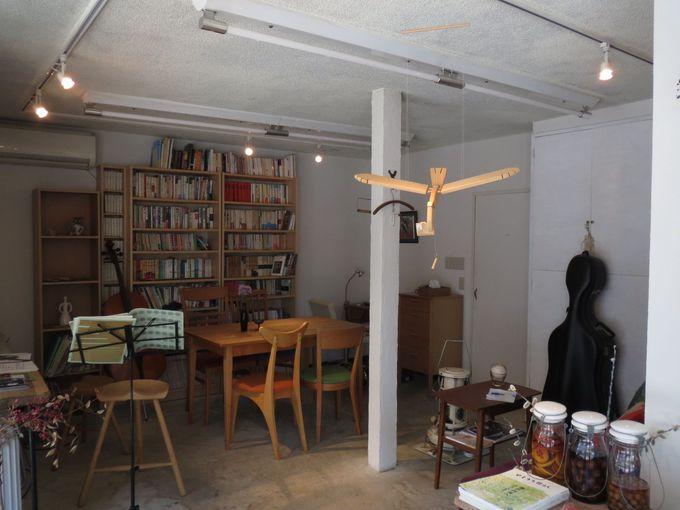 カフェスペースではバイオリン教室も☆