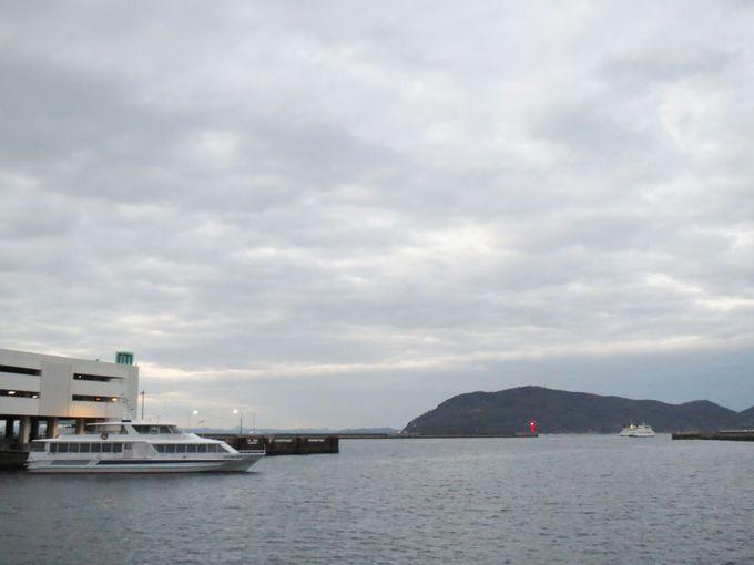 高松港で潮風散歩